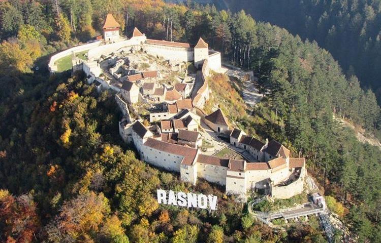 cetatea-rasnov-muntii-postavaru