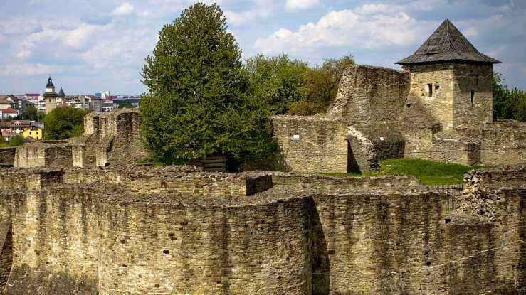 16-9-Cetatea-Suceava