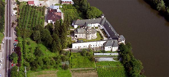 manastirea-cozia1
